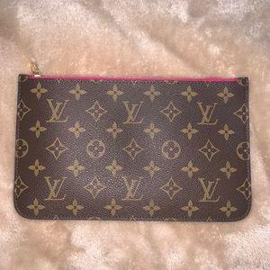 Louis Vuitton Neverfull MM/GM pouch